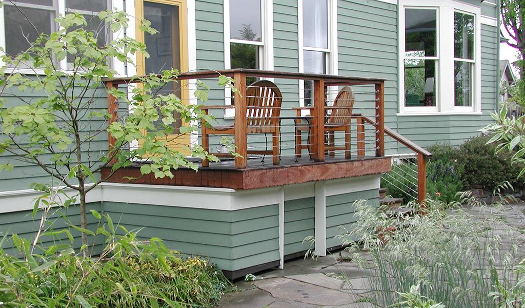 Miller Landscape Architecture small back deck